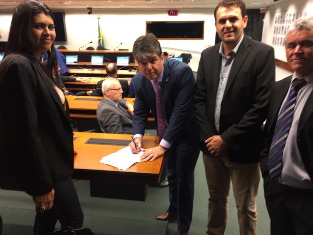 Vereadores de Princesa Isabel  protocolam requerimentos ao Deputado Federal Ruy Carneiro.