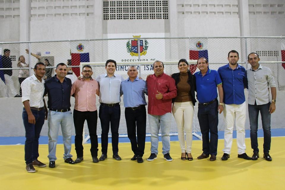 Vereadores de Princesa Isabel participam de Reinauguração da quadra Poliesportiva Ministro Alcides Vieira Carneiro.